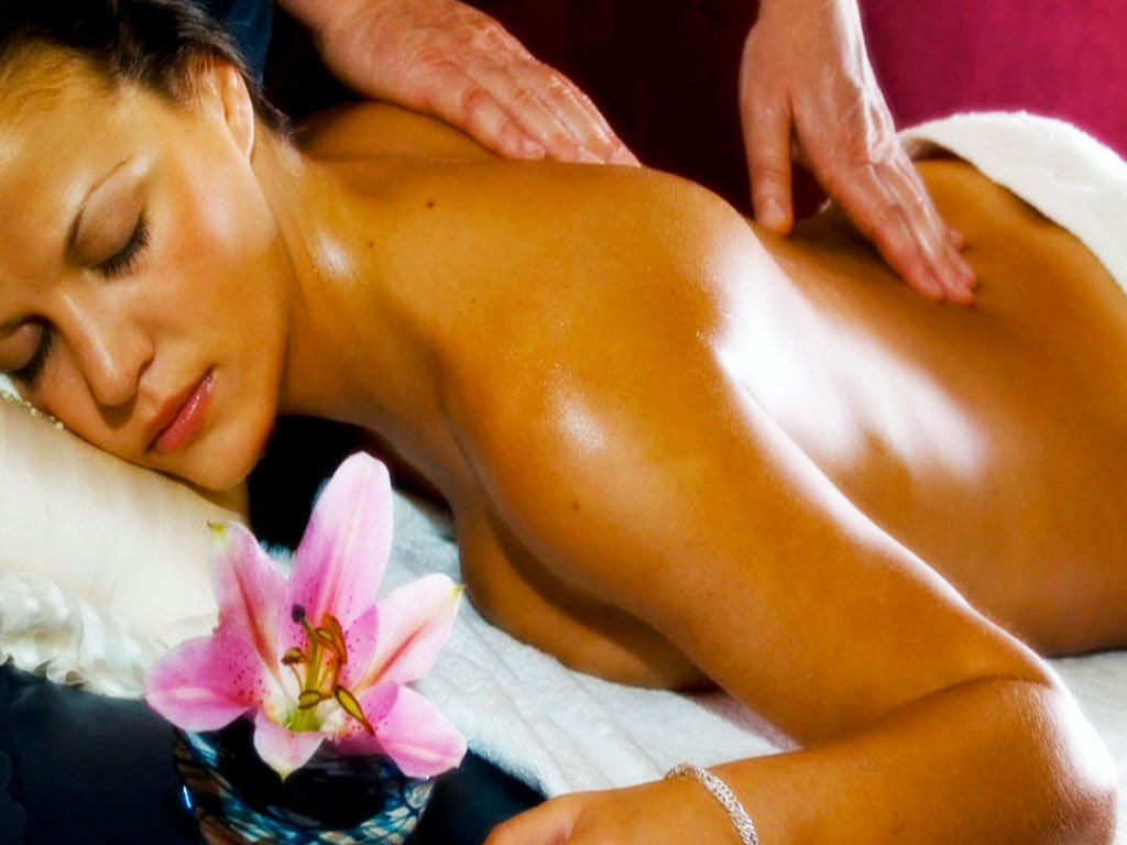 Massage with almond oil